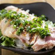 原価ぎりぎり、赤字覚悟の限定料理。朝挽きのお肉の新鮮な味を堪能して下さい
