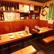 4人掛けのテーブル席は、ご家族でお食事などにもご利用していただけます。