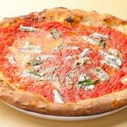 本場サイズを忠実に再現したピッツァはボリューム満点。このサイズでも、リニューアルした生地ならペロッと食べれて胃もたれしません。種類も豊富なので、違う種類をシェアして食べるのもオススメです。