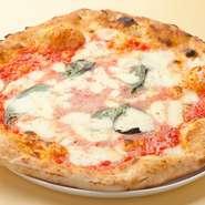 リニューアルした生地の味を存分に楽しめるピッツァ。口当たり、味が完璧で、スルッと入り重くなりません。