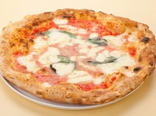 リニューアルした生地の美味しさが味わえる『マルゲリータ』