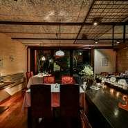 とろけるような舌ざわりと上品な味の脂身をお楽しみ下さい。襟裳蕎麦とチラシ寿司がセット。