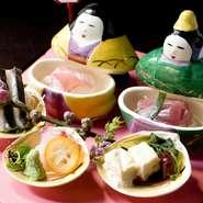 ご会席は本格的日本料理。海のもの、山のもの、旬の味を季節代わりでお献立に※季節により料理内容・器は変わります。