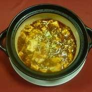 ご飯と一緒に食べたくなるしっかりとした味付け。山椒がピリッと効いた辛さがクセになる一品。