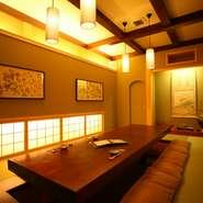仕事での接待や、大切な方との会食には、和室がおススメ。格調高く、しかもくつろげる雰囲気があるのも魅力です。