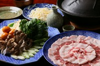 ジビエ料理に興味のある方へ・・・冬はこだわって仕入れる天然猪のぼたん鍋・熊肉・鹿肉など本当に旨いジビエ料理が楽しめる冬季限定!【ジビエコース】もございます!詳しくはお気軽にお問い合わせ下さい。