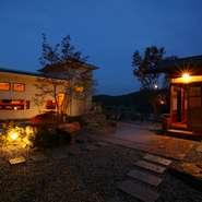 夜の高山も魅力一杯。都会では味わえない心地よい静けさの中、おいしいお料理とお酒をお楽しみください。