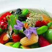 彩り鮮やかな旬の食材の素材を活かしてお楽しみいただきます!!