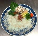 長崎県産トラフグ 1.5kg以上のふぐを仕入れて 刺身にしました。