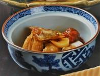 島原の郷土料理で トラフグの粗を にんにくと梅干を入れて 甘辛く炊き上げました。