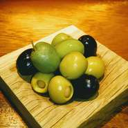 秋田県名物の漬物。クリームチーズと共にお召し上がり下さい