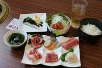 上カルビ・上ロース・上タン・黒豚カルビ・エビ・ホタテ・ホルモン・サラダ・スープ・ご飯・デザート
