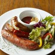 霜降りのA5黒毛和牛フィレ肉のステーキを塩胡椒で焼き上げました。