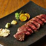 鶏モモ肉のロースト 皮目はパリッと身はふっくらジューシー。