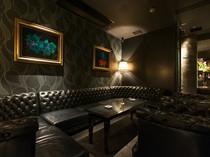 大人の隠れ家な雰囲気!!お食事会に人気の個室ソファ席がおすすめ