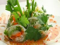 ずわい蟹とシャキシャキ野菜の『ライスペーパーロール』