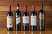 こだわりのワインを揃えております。おススメもございます。