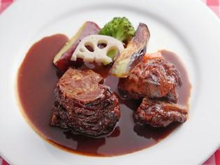 しょうゆに合う肉を吟味し続けて生まれた「ビーフシチュー」