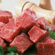 しょうゆや味噌との相性を考え、店で使う肉はすべて国産の吟味したものを使用しています。日本人の舌に合う肉は、口に入れたときに安心感を与える料理を生み出してくれるのです。