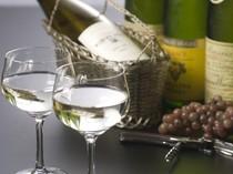 バラエティ豊かなワインとカクテルが自慢です。