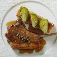 お料理の値段は、5000円~10,000円くらいまで、 ¥1000刻みでご用意しております。 ¥6000~メイン料理は飛騨牛をご用意しております。