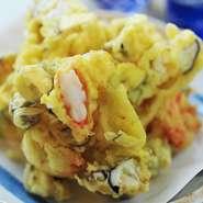 旬の野菜と海鮮を使ったかき揚げは、ボリューム満点。サクサク感がたまりません~。