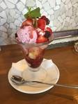 美味しい奈良産のいちごを使用の為、春限定のパフェです!!