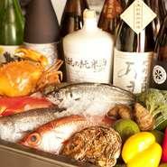 浜名湖周辺で食べられる幻のカニ、『どうまんガニ』。5月から11月がシーズン。秋にはメスは「内子」を持っていて、これが美味だと珍重されています。これを目当てに県外から来るお客さんもいます。