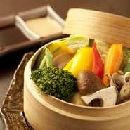 毎日、採れたてで、新鮮な野菜そのもののおいしさを楽しめる一品です。