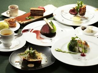 美味しい料理を追求するため、日々勉強はかかせません