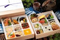 にぎり寿司をメインに、刺身、天麩羅、焼き物 小鉢料理、季節の煮物など和食を極めたお弁当です