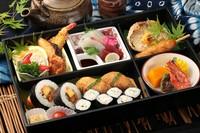 鯛、赤飯付き 見た目も華やかなお膳はお祝いにぴったりです ※パック膳でもご用意できます