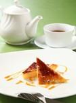 写真は、口あたりなめらかな『カタラーナプリン』です。 ※コーヒーor紅茶付セット:740円