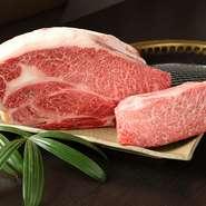 【焼肉たらふく】は、本店が精肉店。おいしい肉をお客さんに食べてほしいから、その日に使う分だけを手切りしています。牛、ホルモン、鶏、豚、すべて自信をもって提供できるものだけを厳選しています。