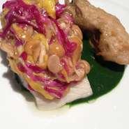 鰆のミキュイ春菊のクーリ、もって菊となめこ、牡蛎のベニエ添え