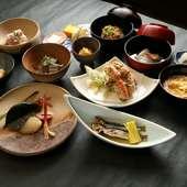 瀬戸内海の新鮮な魚介をあしらった会席料理。県外の方との接待などにオススメです。