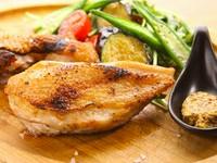 名物料理こだわり食材の炭火焼きステーキ