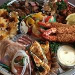 【イートイン税込572円/テイクアウト税込562円】  ミニカレー・ポテトフライ・お菓子・リンゴジュース