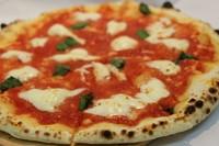 人気のピッツァを2種ご用意しております。※内容は都度変更
