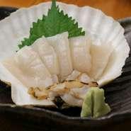 貝から外したばかりのホタテはショキショキの食感と、スッキリした味わいがたまりません。 10月~5月は特に良いホタテが入荷してきます。