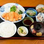 北海道ブランド「王様しいたけ」を使った一皿。濃厚な味わいとしっかりとした歯ごたえが楽しめます。