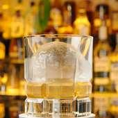 ゆっくり溶ける氷に時間を忘れる『ウイスキー』 ロック