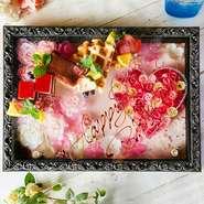 新登場!アートボックスの中は花などで作成された、見た目も可愛い装飾が施されています もちろんメッセージもお付けできます!米子で初登場のアートボックスバースデーはフタバだけのオリジナル 今なら+1000円でご利用OK