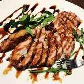 牛フィレ肉、フォアグラ、黒トリュフソースのロッシーニ