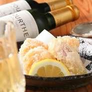 海老のすり身と卵でつくる『えびしんじょう』。割烹料理の技が光るオープン当初からの人気メニューです。
