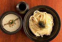 ・豚角煮と煮玉子のゴマだれつけうどん(温冷)(1050円)             ・クワトロフロマジョうどん(1200円)