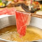 新潟県産豊浦牛を使用したしゃぶしゃぶ&すき鍋が人気