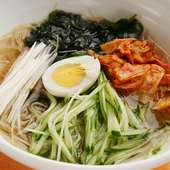 喉ごしの良い細麺で〆にもピッタリ『冷麺』
