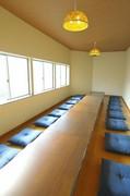 2階の個室は、予約での利用が可能です