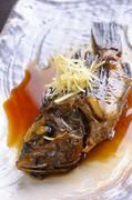 お酒やごはんとの相性抜群。獲れたて鮮魚を使った『煮つけ』